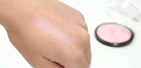technic-technic-get-gorgeous-pink-sparkle-highligh-swatch